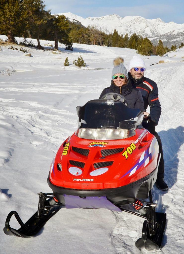 Tu escapada a Andorra te hará descubrir lugares de ensueño y realizar experiencias únicas como las Motos de Nieve o el Mushing